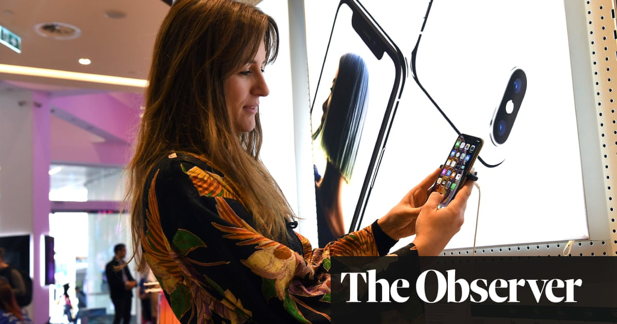 How to avoid getting a bundle of extra charges for your mobile | Money | The Guardian