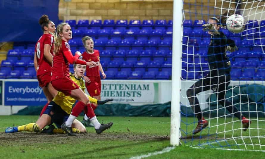 Vivianne Miedema heads in Arsenal's winner to deny Liverpool a crucial point in their battle to avoid relegation from the Women's Super League.