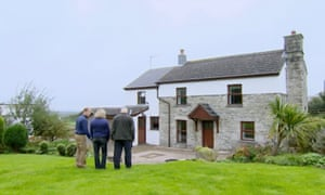 Escape to the Country: it's the TV equivalent of fairy floss dipped in chloroform, Stilnox on a screen.