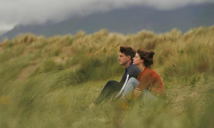 Paul Mescal and Daisy Edgar-Jones,