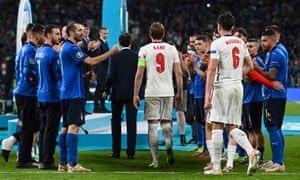 Italy give England players a guard of honour to collect their runners up medals.
