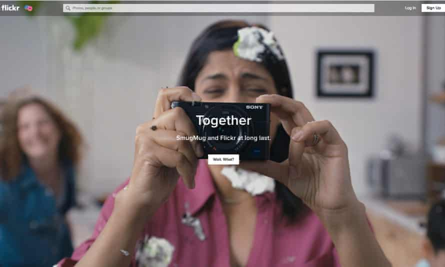 Flickr announces its takeover by SmugMug to users.