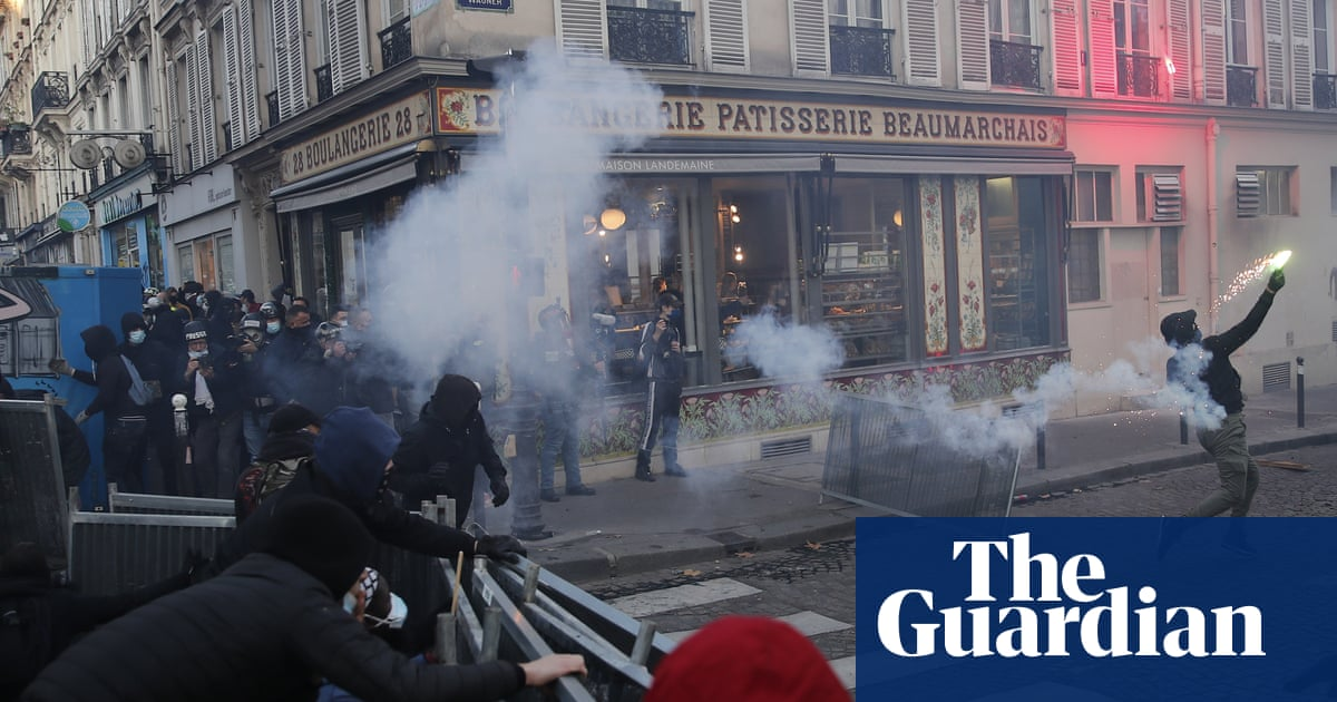 French security forces fire teargas at press freedom protesters