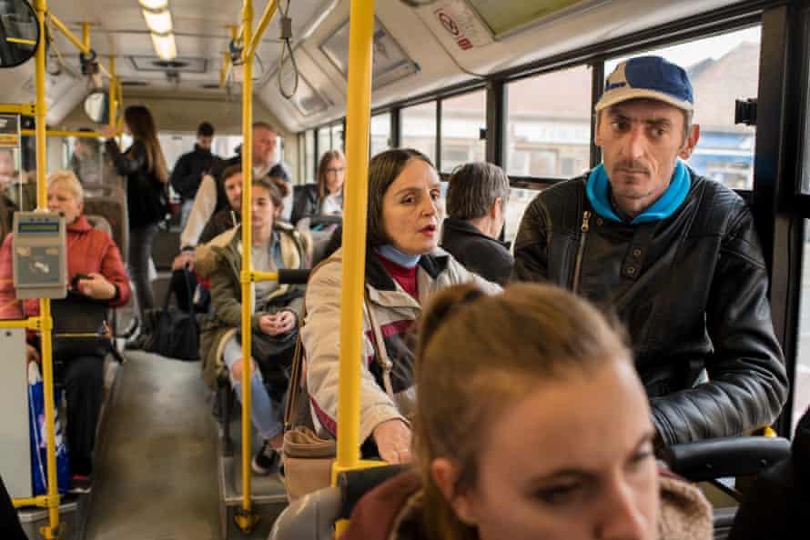 Branka Reljan and Drazenko Tevelli on the bus
