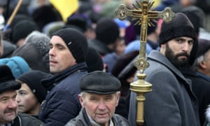 People gather in Kiev to support an independent Ukrainian church
