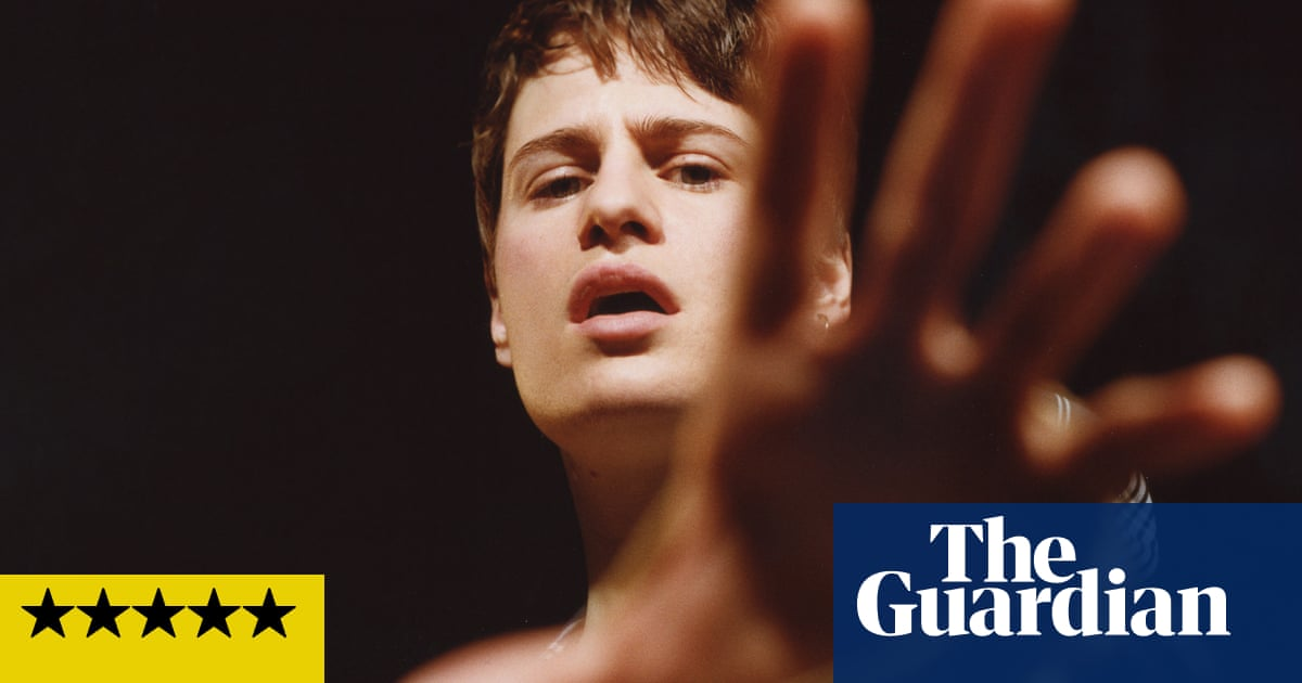 Christine and the Queens: Chris review – pop music that truly