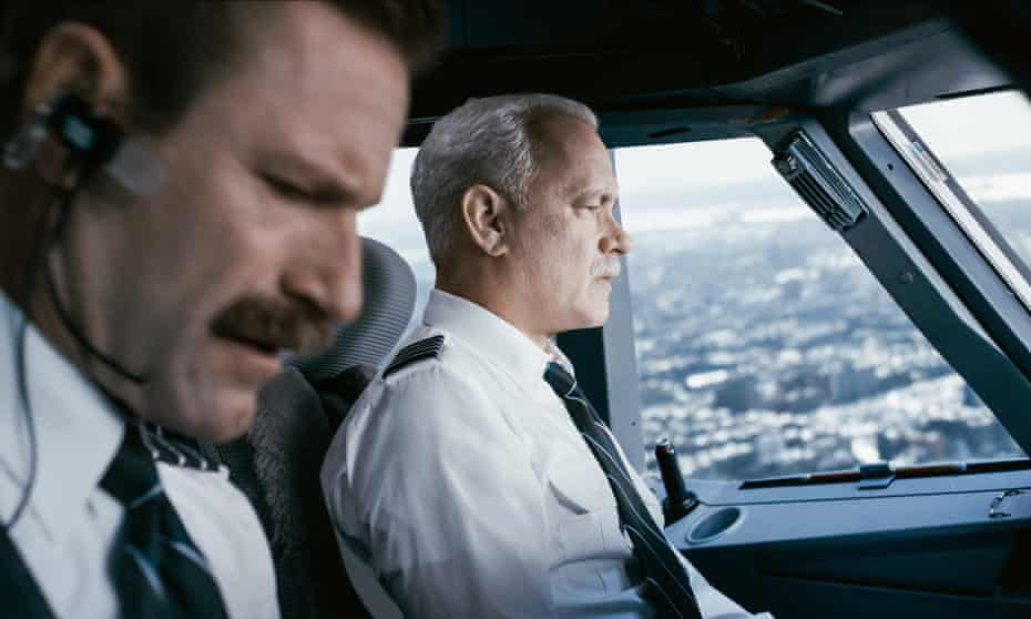 Aaron Eckhart and Tom Hanks in Sully