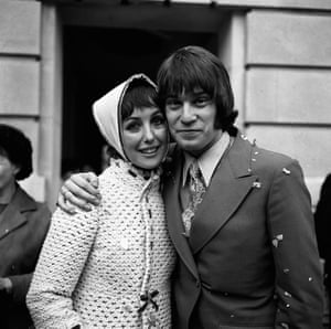 Una Stubbs with Nicky Henson after their marriage at Wandsworth Town Hall, London in 1969.