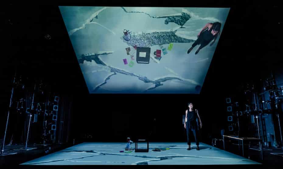 Kiran Landa in Extinct, whole set view