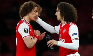 It's a straight swap, at least on the hair do front, as Arsenal's Matteo Guendouzi comes on as a substitute to replace David Luiz.
