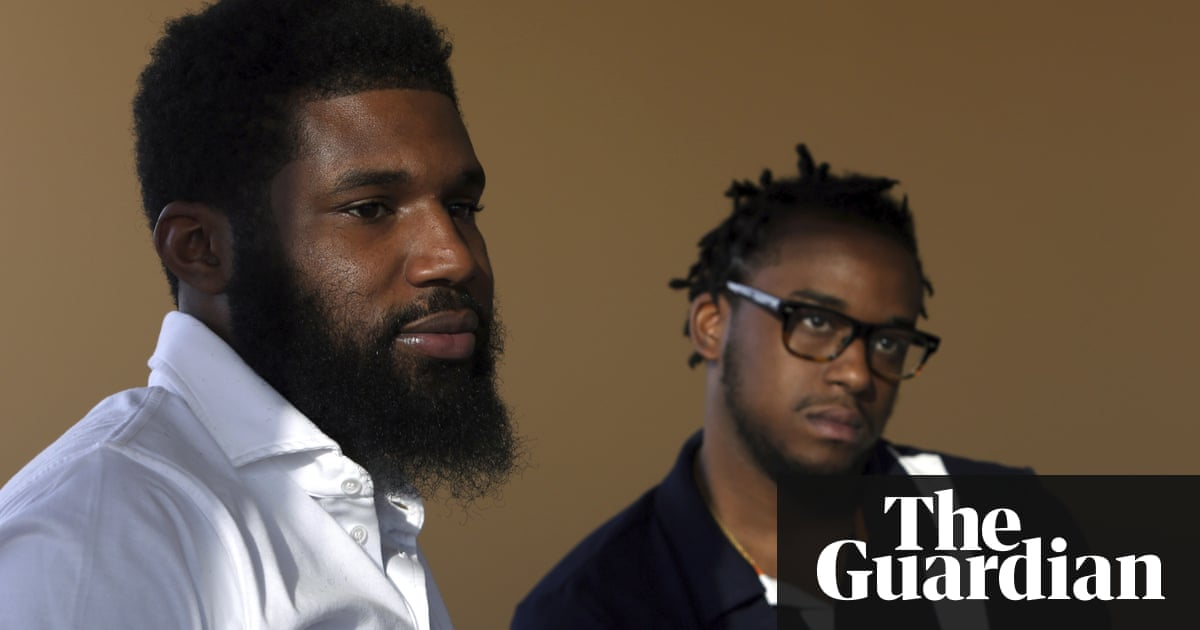 Black men arrested in Starbucks settle for $1 each and $200,000 program for young people – Trending Stuff
