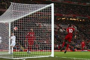 Sadio Mane slots the ball into an empty net!