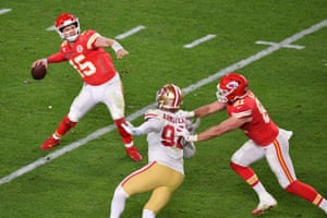 But Chiefs quarterback Patrick Mahomes has other ideas: the third-year quarterback leads his offense to 21 unanswered points in the fourth quarter.