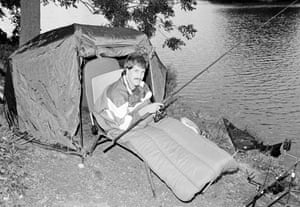 David Seaman bringing a big look to a night-fishing session in 1988.