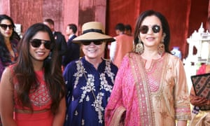 Hillary Clinton poses with Isha Ambani and Nita Ambani in Udaipur