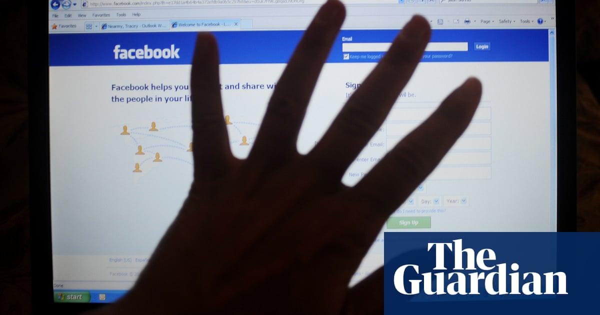 Most Australians say social media platforms should block misleading political ads