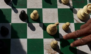 One of India's top chess players has pulled out of an upcoming championship in Iran in protest at having to wear an Islamic headscarf.