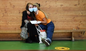 Students at the Kingsdale Foundation school in south London wear masks as they pick up their GCSEs but there are no plans to review the guidance over their use in schools