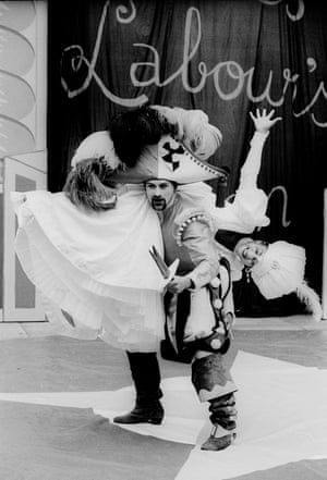 Geordie Johnson (Petruchio) and Cathy Tyson (Kate) in The Taming Of The Shrew, 1993