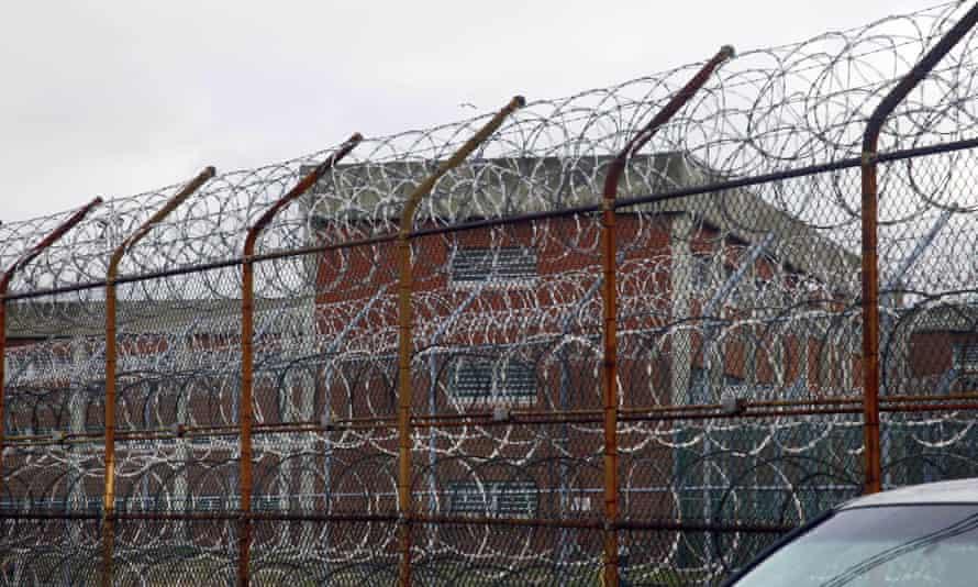 rikers island new york prison
