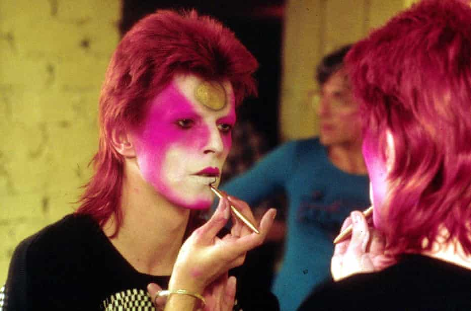 Bowie applying the Ziggy Stardust make-up in 1973.