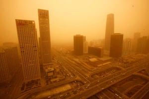 Duststorm blankets Beijing
