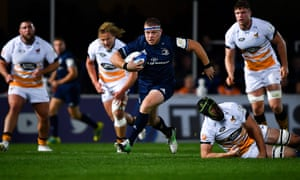 Seán Cronin of Leinster breaks through the Wasps defence on his way to scoring his side's first try.