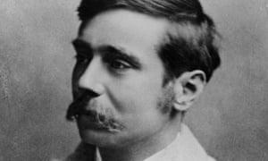 HG Wells (1866-1946) circa 1904.