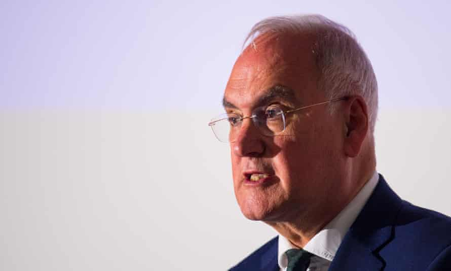 Sir Michael Wilshaw supports 'rigorous' uniform policies when implemented with common sense.