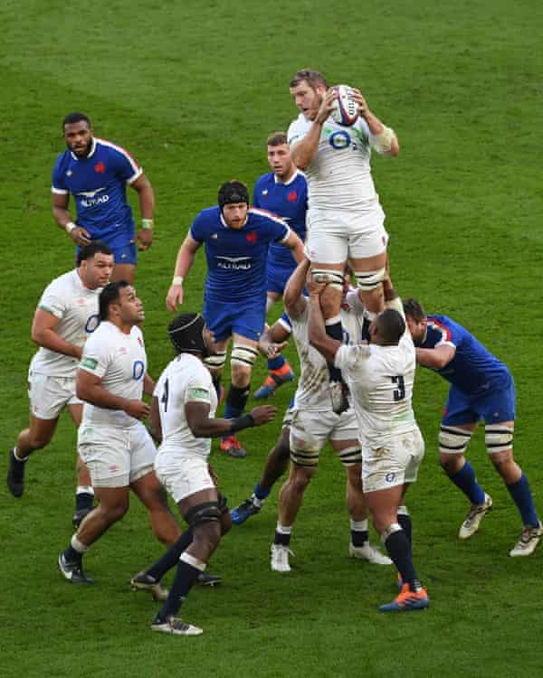 Joe Launchbury wins the lineout for England in December's Autumn Nations Cup final victory over France.