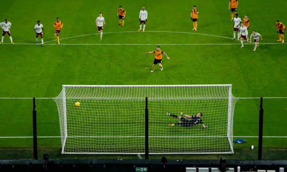 Rúben Neves buries his penalty to equalise for Wolves just before half-time.