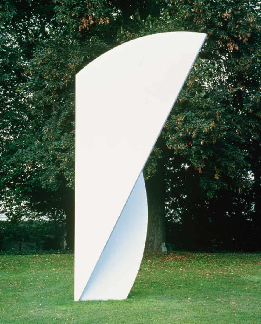Ellsworth Kelly: White Curves, 2001.
