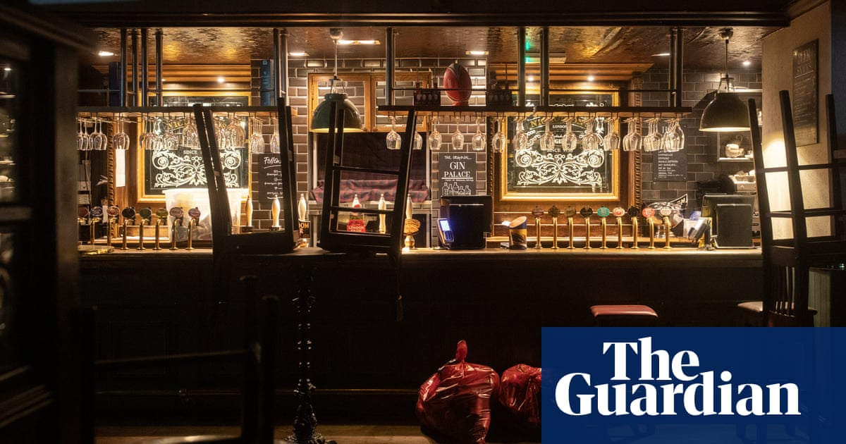 Nearly a quarter of UK pubs and restaurants 'fear collapse' by Christmas - The Guardian
