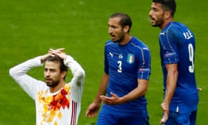 Gerard Pique, left, admitted that Spain are not the team they once were
