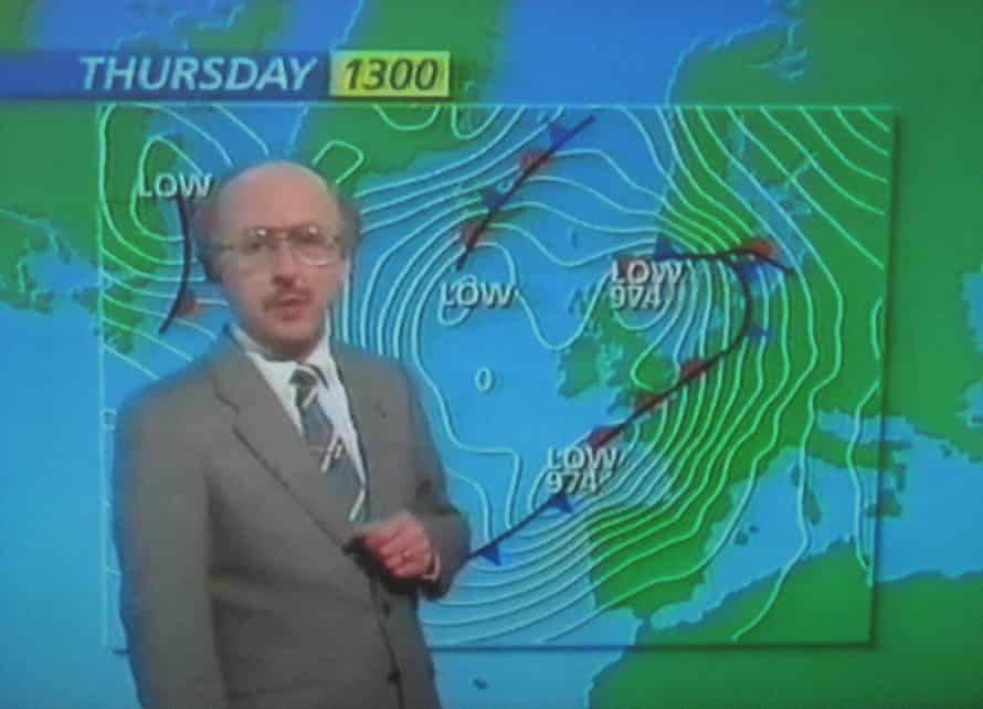 Michael Fish during his infamous 1987 forecast that failed to predict a hurricane.
