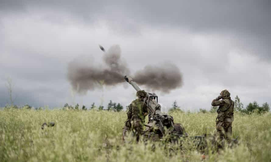 Members of the Royal Canadian Artillery School (RCAS) participate in Exercise Common Gunner at a base in Gagetown, New-Brunswick in July 2018.