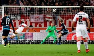 Stuttgart's Mario Gómez heads home to make the score 2-1.