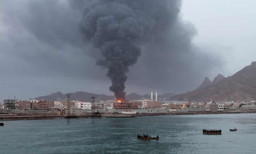 Smoke rising from the Aden oil refinery following a reported shelling attack by Houthi Shia in July 2015