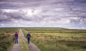 Rehearsal image: Karine Polwart and director Wil Wilson at Fala Moor, researching Wind Resistance