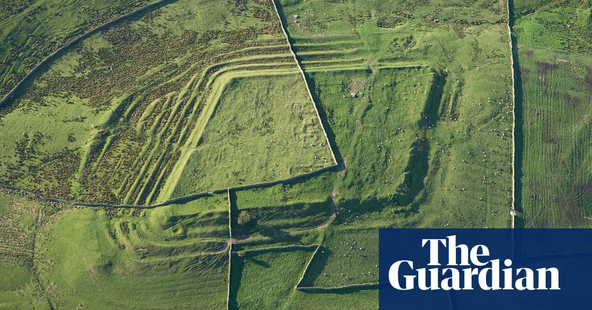 Historic England to offer virtual flights over ancient landscapes