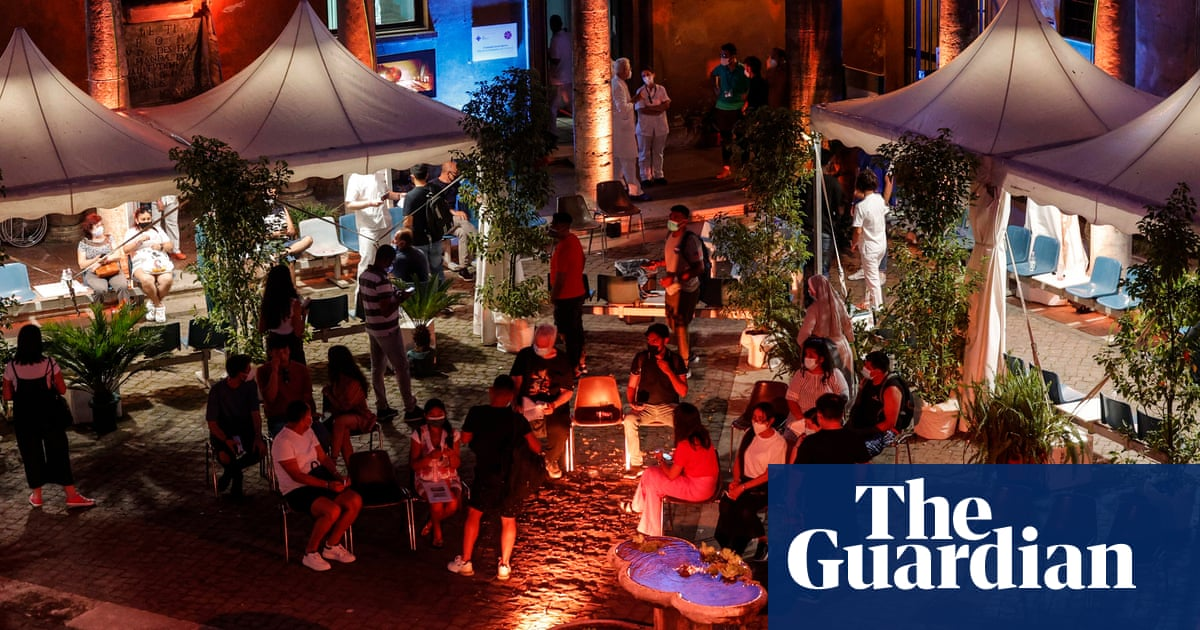 Infectious nightclubs: Covid outbreaks in Sardinia last summer serve as risk alert
