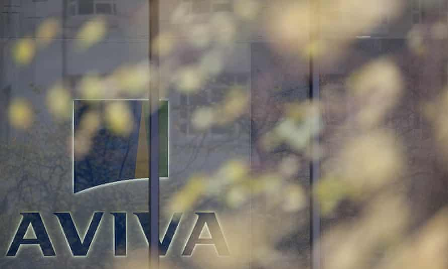 Aviva leads FTSE 100 risers