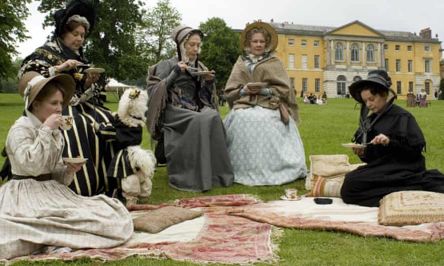 The BBC series Cranford (2007), cast by Maggie Lunn. From left: Lisa Dillon, Barbara Flynn, Eileen Atkins as Miss Deborah, Judi Dench as Miss Matty and Julia Sawalha