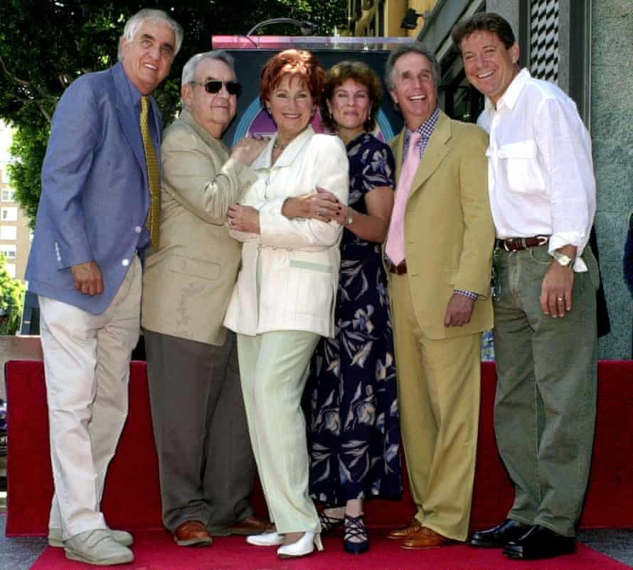 Garry Marshall, Tom Bosley, Marion Ross, Erin Moran, Henry Winkler and Anson Williams of the television show Happy Days, pose after Ross received a star on the Hollywood Walk of Fame.