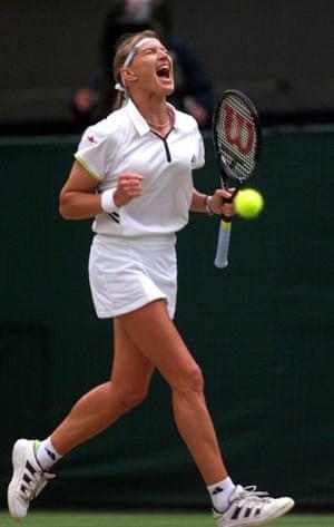 Wimbledon fashion: Steffi Graf in 1999