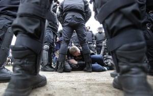 Russian police detain protestors in St Petersberg