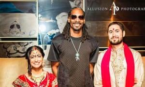 Snoop Dogg crashes a wedding.