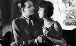 Jameson Thomas et Anna May Wong à Piccadilly (1929).