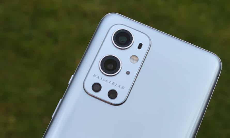 La asociación de Hasselblad promete más cosas por venir, pero por ahora se limita a las funciones y la optimización de la aplicación de la cámara.