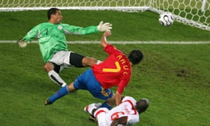Raúl scores for Spain against Tunisia during the 2006 World Cup